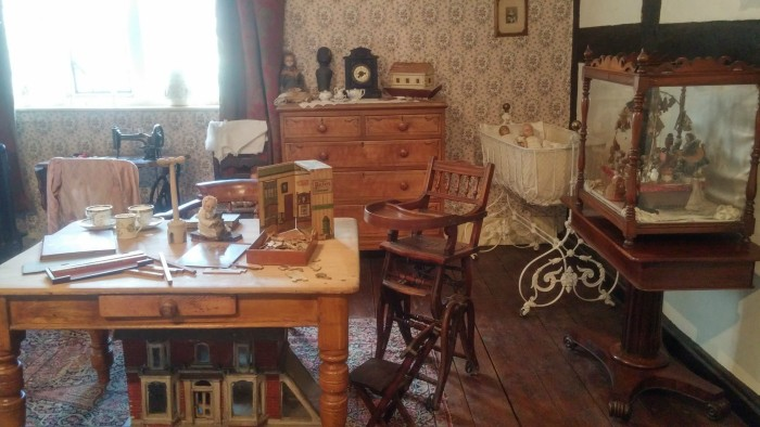 Bedroom displays at Tamworth Castle