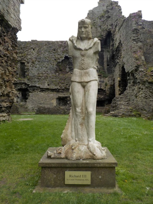 A status of King Richard III at Middleham Castle