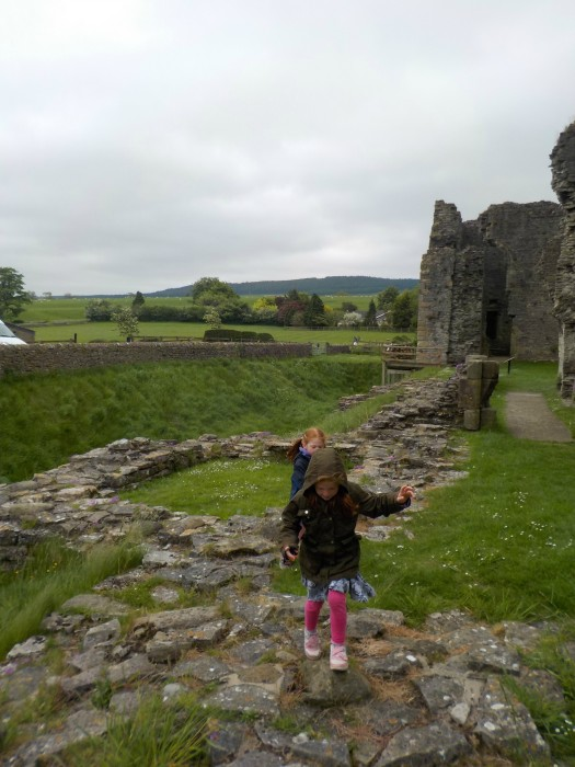 exploring-the-ruins-at-middleham-castle-in-north-yorkshire