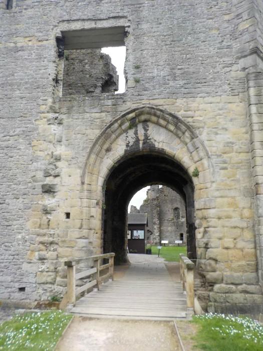middleham-castle-leyburn-north-yorkshire
