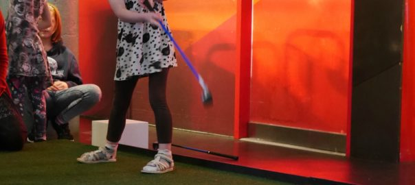 Learning to putt with Online Golf