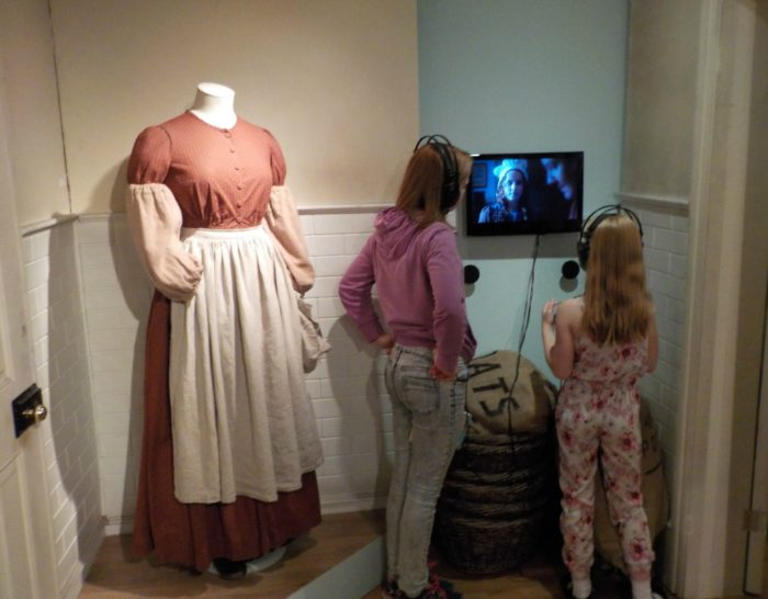 Learning about Hetty Feather at The Foundling Museum