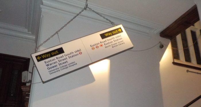 Signage at Peter Pizzeria